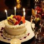 恋人の誕生日を旅行で祝おう☆ホテルにケーキ持ち込みサプライズ!